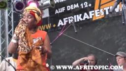 Yvonne Mwale in Concert 2014 - 11